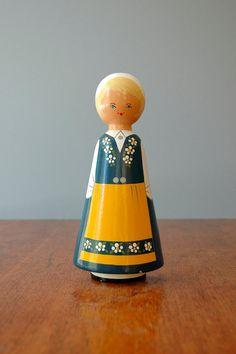vintage Swedish figurine found at luola on Etsy.