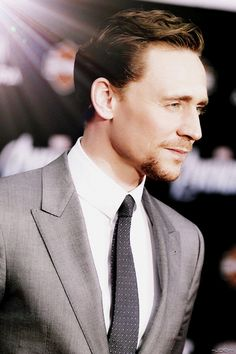 Oh my Lord.I guess this is one of my favorites.Hiddles in grey = best thing that can EVER happen <3<3