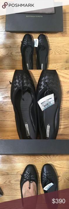 Bottega Veneta ballet flats Brand new never been used. 100% authentic Bottega Veneta Shoes Flats & Loafers