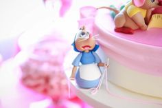 OMG: See Pics of the Coolest 'Cinderella' Cake Ever