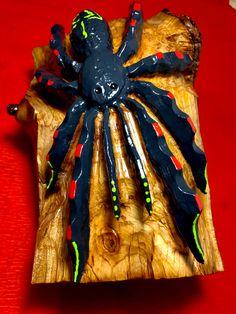 schnitzebitz.ch Wreaths, Halloween, Painting, Home Decor, Art, Luxury, Timber Wood, Dekoration, Kunst