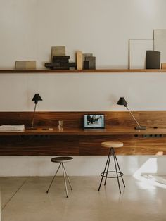 Office Interior Design, Office Interiors, Interior Decorating, Cafe Interiors, Home Office Space, Home Office Decor, Small Office, Home Office Table, White Office
