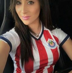 Gr. BONITAS & SEXY Hot Football Fans, Football Girls, Soccer Fans, Soccer Girls, Football Soccer, Chivas Wallpaper, Fifa, Hot Fan, Football Fashion