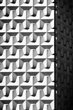 architectural details Pattern Texture, Surface Pattern, Texture Design, Surface Design, Architecture Design, Contemporary Architecture, Installation Architecture, Geometric Designs, Geometric Shapes