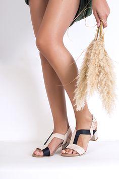 lookbook verano 2016 - RAY MUSGO Zapatos ecologicos de mujer #modasostenible #moda #fashion #fairfashion #ethic #ethical #eco #shoes #zapatos Espadrilles, Heels, Beige, Spring, Fashion, Shoe Collection, Sustainable Fashion, Clogs, Spring Summer 2016