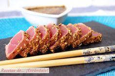 Como hacer la receta de tataki de atun rojo con sesamo Vegetarian Comfort Food, Vegan Vegetarian, Sushi Pictures, Tuna Tataki, Sushi Donuts, Sushi Burger, Japanese Food, Cooking Time, Finger Foods