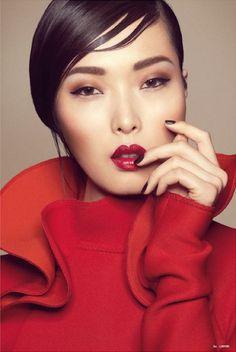 + Elle Vietnã - batom colorido.