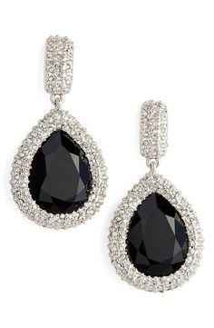 These stunning teardrop earrings are simply elegant.