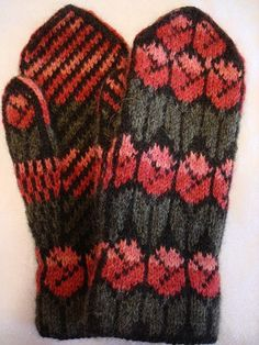 Tulilps 1 [knit mittens colorwork]