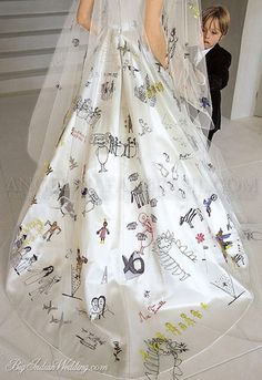children Design Dress - Brad Pitt and Angelina Jolie's wedding Brad And Angie, Brad Pitt And Angelina Jolie, Jolie Pitt, Le Jolie, Angelina Jolie Dress, Angelina Jolie Children, Wedding Dress Backs, Unique Wedding Gowns, Wedding Veil