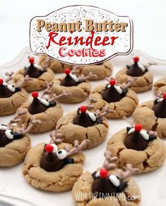 Peaunt Butter Reindeer Cookies I tossed a bag of Hershey's Kisses into my grocery cart a couple of weeks ago thinking I'd make Peanut Butter Blossom Cookies this holiday. Christmas Deserts, Holiday Desserts, Holiday Baking, Holiday Treats, Christmas Recipes, Christmas Christmas, Christmas Foods, Holiday Recipes, Winter Deserts