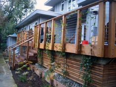Deck Skirting Ideas - out before & after pics of Joni's deck for excellent deck & patio skirting concepts. GenStone has a variety of faux rock deck skirting product to choose from. House Skirting, Deck Skirting, Cool Deck, Diy Deck, Porche Frontal, Deck Design, House Design, Railing Design, Landscape Design
