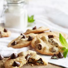 NESTLÉ® TOLL HOUSE® Mint Filled DelightFulls™ Chocolate Chip Cookies