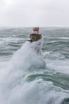 France, Finistere, Ile d'Ouessant, February 8th 2014, Britain lighthouse in stormy weather during storm Ruth, Nividic Lighthouse, Pern headland bingopin.com Lighthouse Storm, Lighthouse Pictures, Water Waves, Sea Waves, Beautiful World, Beautiful Places, Strange Weather, Stormy Sea, Jolie Photo