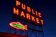 This Photograph was taken during a beautiful night at Pike Place Market. SIZE: 8x10 Inches    PHOTO: The photo is borderless, and comes unmatted. All photos are printed at a professional photo lab, and are printed on premium quality paper with a lustre finish. SHIPPING: All photos are shipped in a protective envelope. If you are ordering a larger print it will be sent in a shipping tube. All orders will be processed in a timely fashion, and I will email you when your item ships. If you…