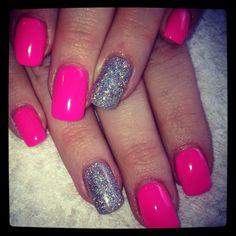 Luminous pink gel with glitter
