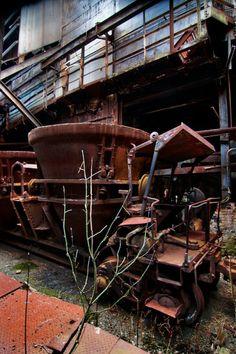 Sleep - Photo of the Abandoned Bethlehem Steel Mill Abandoned Asylums, Abandoned Houses, Abandoned Places, Bethlehem Steel, Abandoned Factory, Steel Mill, Industrial, Ex Machina, Urban Exploration