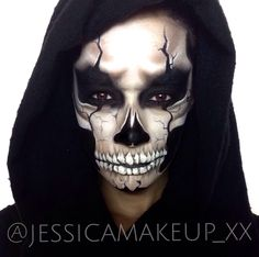Image may contain: 1 person Halloween Skeleton Makeup, Halloween Men, Diy Halloween Costumes, Halloween 2019, Halloween Cosplay, Grim Reaper Makeup, Grim Reaper Costume, Grim Reaper Halloween, Maquillage Halloween Clown