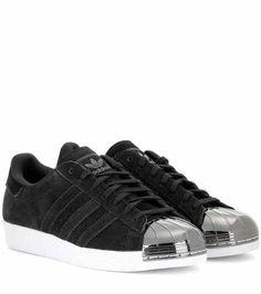 size 40 ce930 92d2d Superstar 80s Metal Toe sneakers   Adidas Zapatos Adidas, Zapatillas,  Tenis, Estilo,