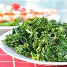 I LOVE this recipe.I could eat it every day AND it even got Jeff to eat Kale! Mediterranean Kale - A great way to add greens to your diet. Subbing raw apple cider vinegar for the lemon juice worked great. Healthy Sides, Heart Healthy Recipes, Healthy Side Dishes, Side Dishes Easy, Side Dish Recipes, Delicious Recipes, Tasty, Healthy Choices, Roasted Mediterranean Vegetables