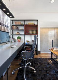No tom da madeira. Veja: http://www.casadevalentina.com.br/projetos/detalhes/no-tom-da-madeira-648 #decor #decoracao #interior #design #casa #home #house #idea #ideia #detalhes #details #style #estilo #casadevalentina #wood #madeira #homeoffice #escritorio