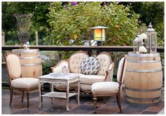 Wedding decorations vintage elegant wine barrels New ideas Lounge Seating, Lounge Areas, Seating Areas, Outdoor Seating, Vintage Furniture, Outdoor Furniture Sets, Outdoor Decor, Lounge Furniture, Outdoor Ideas