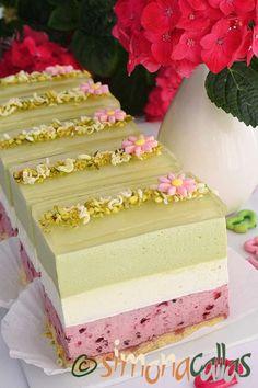Prajitura Ederlezi cu fistic ciocolata si fructe de padure Vanilla Cake, Chocolate Cake, Sweet Recipes, Mousse, Cheesecake, Deserts, Food And Drink, Ice Cream, Sweets