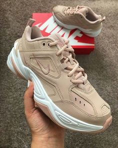 "Nike on Twitter: ""M2K Tekno… "" Tênis Nike Feminino, Tenis Feminino Tumblr, Tênis Feminino, Tenis Lindos Femininos, Sapatos Femininos, Tenis Sapatenis, Sapatos Kawaii, Tendências De Tênis, Tênis Bonitos"