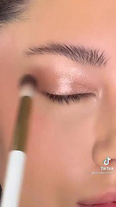 Boho Makeup, Edgy Makeup, Cute Makeup, Beauty Makeup, Makeup Kiko, Eye Makeup Brushes, Makeup Cosmetics, Rhinestone Makeup, Natural Glowy Makeup