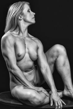 artistic physique,artistic physique photography fitness model nude naked nudity classy blond blackandwhite blackwhite b w black Makeup Vs No Makeup, Hard Bodies, Female Reference, Love Fitness, Sport Body, Gym Girls, Female Images, Sports Women, Female Bodies