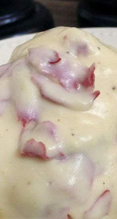 """""""Old-School"""" Creamed Chipped Beef - Serve over buttered toast - ¤♡¤ My fave recipe and the way my mom used to make it! She and I both use the packages of chipped beef by the lunchmeat/pepperoni instead of the kind in the jar, though. Chip Beef Gravy, Beef Gravy Recipe, Sos Recipe Dried Beef, Ground Beef Sos Recipe, Recipes With Dried Beef, Recipes With Ham, White Gravy Recipe, Breakfast Dishes, Breakfast Recipes"""