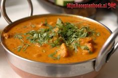 Eatery dishes out Indian and American cuisine with entrees like tandorri fish tikka, beef curry, lamb spinach, and Indian-style pizza Onion Recipes, Mushroom Recipes, Curry Recipes, Indian Food Recipes, Veg Recipes, Pollo Garam Masala, Best Curry Recipe, Recipe Without Onion, Butter Chicken Curry