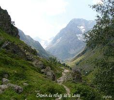 Chemin du refuge de la Lavey dans les Alpes