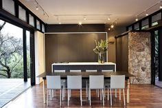 Steel and glass dwelling with views of Johannesburg