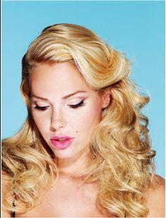 Protagonista di una copertina d'eccezione #IlaryBlasi per #VanityFair @StudioDaylight   #pinup #pinupgirlart #vintagestyle #fashion #burlesque #brandmodel #brand #model #promomodel #lifestyle #portrait #beautiful
