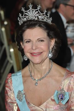 A good frontal view of the nine prong, which has so far not been worn by any of the younger generation of Swedish Royal Ladies.