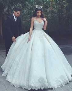 Charming Tulle Ball Gown Wedding Dress, Appliques Lace Appliques Wedding Gown Bridal Dress M0964