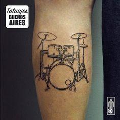La musica tambien esta en la piel!! #tattoo #tatuajes #TatuajesBuenosAires #bateria #musica #pierna #Buenos Aires