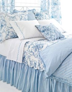 Embroidered Hem White/Blue<br>Sheet Set - Sheet Sets - Seasons Gifts and Home