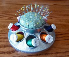 Chicken Feeder Pincushion - replace spools with mini-pincusions and make center piece upright storage for scissors, seam ripper, etc. My Sewing Room, Sewing Box, Sewing Rooms, Sewing Notions, Sewing Kits, Fabric Crafts, Sewing Crafts, Sewing Projects, Diy Crafts