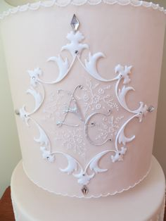 Royal icing embroidery piping