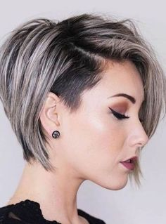 Haircuts + 150 photos and trends Short Bob With Undercut, Short Bob Cuts, Short Hair Cuts, Modern Undercut, Undercut Pixie, Short Pixie, Short Gray Hair, Undercut Bob Haircut, Undercut Styles