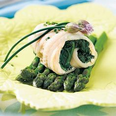 Spinach-stuffed sole - I did not use butter, and I did half spinach and half brocc - yum - and I used Garlic Plus Sole Recipes, Great Recipes, Healthy Recipes, Healthy Eats, Fish And Seafood, Seafood Recipes, Food Inspiration, Spinach, Healthy Living