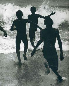 Анри Картье-Брессон / Мальчики Тангантика, 1929 г