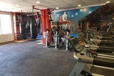 Noticias Deportivas Gym, Burn 100 Calories, Gym Training, Goal Body, Squats, News, Excercise, Gymnastics Room, Gym Room