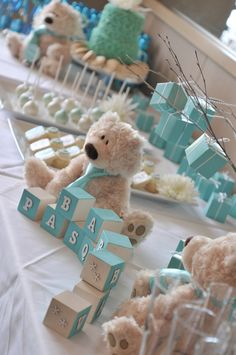 Baby Shower Centerpieces – Standout With Creative Baby Shower Decorations Baby Shower Azul, Deco Baby Shower, Shower Bebe, Girl Shower, Baby Shower Favors, Baby Shower Parties, Baby Shower Themes, Baby Shower Invitations, Baby Shower Gifts