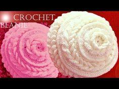 Gorro boina tejido en punto de flor con hojas dobles a Crochet o Ganchillo