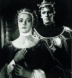 1959 - Maggie Smith and John Justin, 'Richard II' English Actresses, British Actresses, Actors & Actresses, Maggie Smith Young, Shakespeare Plays, William Shakespeare, Companion Of Honour, Kenneth Williams, Richard Ii