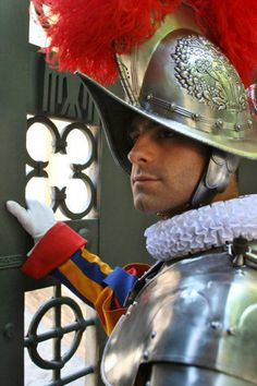 Rome, Swiss Guard, Sistine Chapel, Pope John, Theatre Costumes, Men In Uniform, Vatican City, Yesterday And Today, Roman Catholic