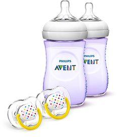 Kit com 2 Mamadeiras Anti-Cólica Philips Avent Natural Baby BPA Livre 266ml - Lilás + 2 chupetas Philips Avent decoradas  A maneira mais natural de alimentar por mamadeira!